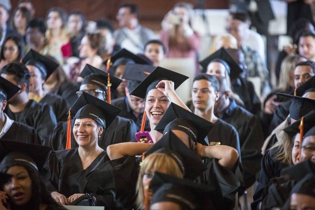 Etudiants qui ont reçu leur diplôme